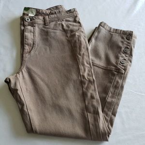 Anthropologie crops with leg buttons sz 31